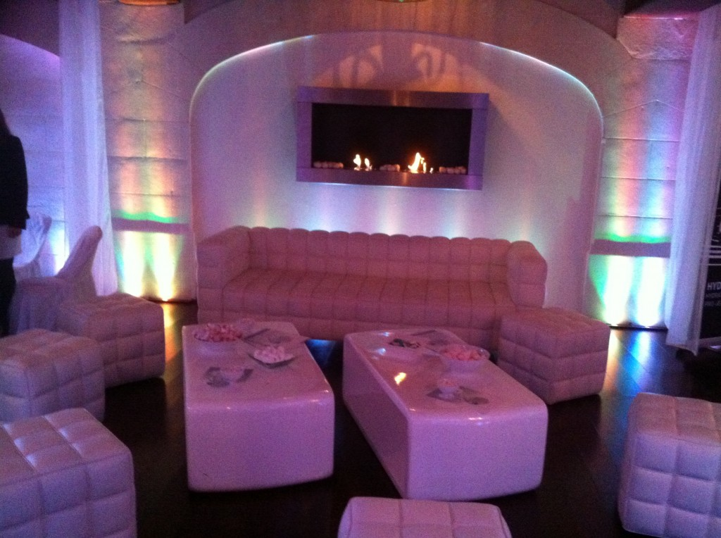 POULETTEWHITEPARTY5