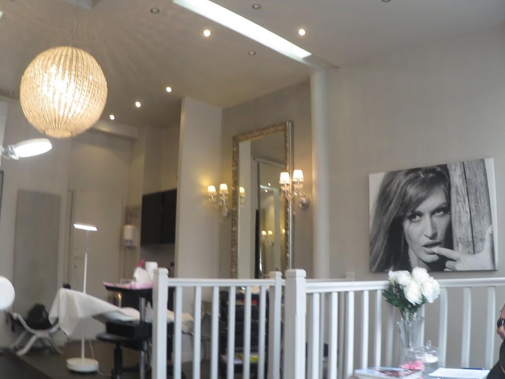 beaut restructuration du sourcils avant apr s au boudoir du regard dress ing blog. Black Bedroom Furniture Sets. Home Design Ideas